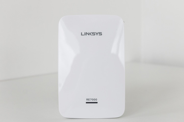 Linksys-Max-Stream-RE7000_MG_9933