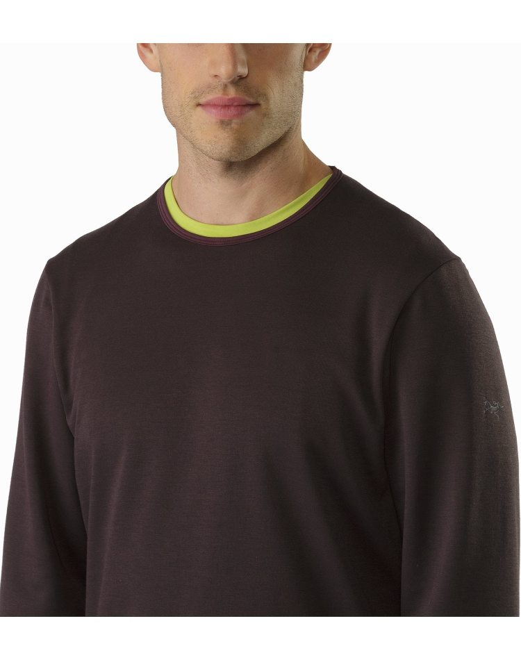 Dallen-Fleece-Pullover-Katalox-Neckline