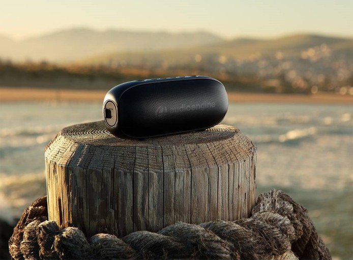 audioengine-512-portable-bluetooth-speaker