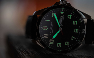 Screenshot_2019-08-06 First Look at the Victorinox Field Force - Worn Wound