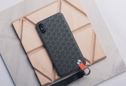 Screenshot_2019-09-29 iPhone Hardshell Case - Shop iPhone Protection Black Altra by Moshi