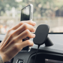 Screenshot_2019-09-29 Magnetic car mount with wireless charging - Shop wireless chargers Black SnapTo™ Car Mount with Wirel[...]