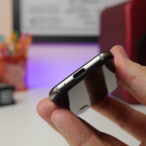 146612-phones-review-palm-phone-hardware-image6-kgctfcozjs
