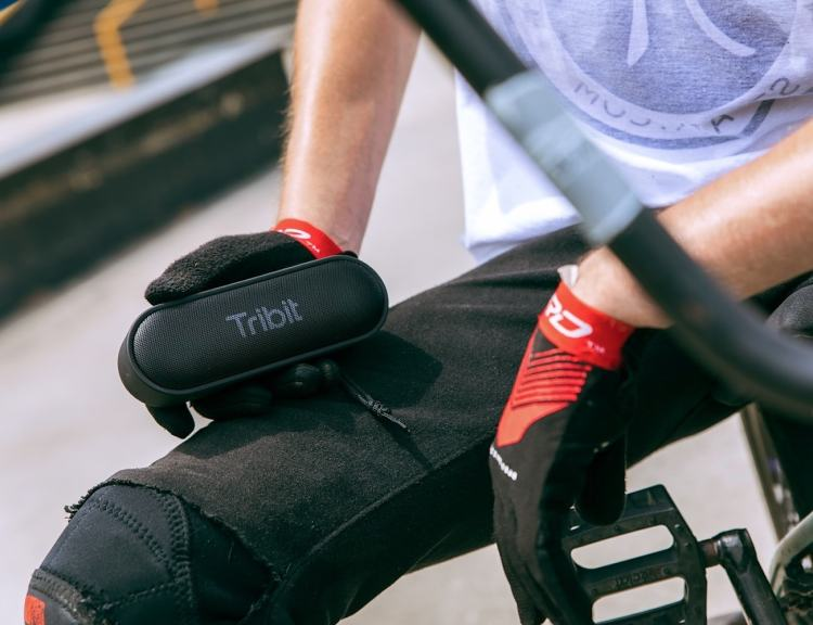 Tribit-XSound-Go-Portable-Waterproof-Bluetooth-Speaker-01-1