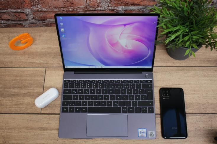 Huawei_Matebook_13_QWERTZ-Tastatur-734x489