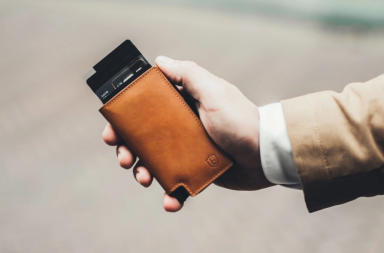 Screenshot_2020-08-04 Ekster-trackable-leather-wallet-1 webp (WEBP Image, 900 × 600 pixels)